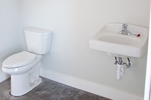 handicapped-accessible-bathroom